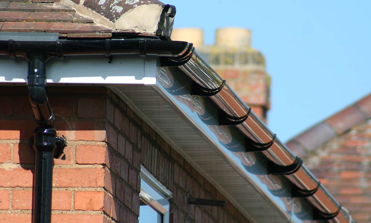 Home Surrey Gutter Cleaning Amp Repairs 01932 500435
